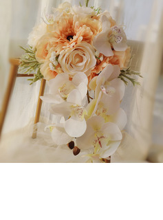 Classic Hand-tied Satin/Emulational Berries/Lace/Silk Flower/Linen Rope/Artificial Flower Bridal Bouquets/Bridesmaid Bouquets (Sold in a single piece) - Bridal Bouquets/Bridesmaid Bouquets