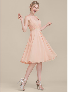 V-neck Knee-Length Chiffon Bridesmaid Dress