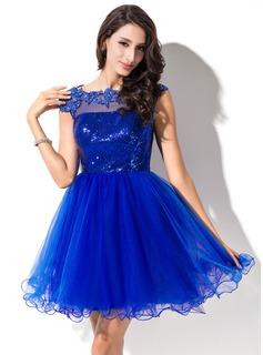 A-Line/Princess Scoop Neck Short/Mini Tulle Sequined Prom Dresses With Beading Appliques Lace