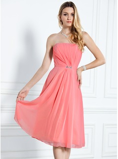 A-Line/Princess Strapless Knee-Length Chiffon Bridesmaid Dress With Ruffle Beading