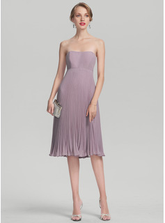 Sweetheart Knee-Length Chiffon Cocktail Dress With Pleated