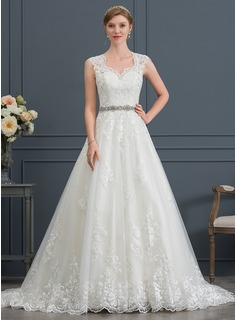 Ball-Gown/Princess V-neck Court Train Tulle Wedding Dress