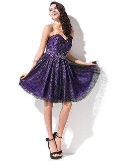 A-Line/Princess Sweetheart Short/Mini Taffeta Lace Homecoming Dress With Beading Sequins