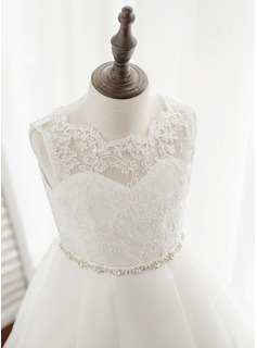 ivory tiered lace wedding dress