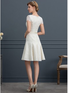 A-Line/Princess V-neck Knee-Length Lace Wedding Dress With Beading