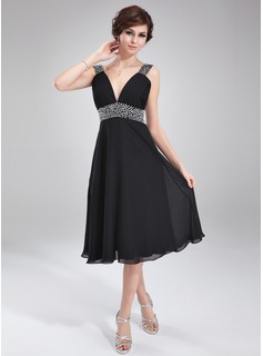 A-Line V-neck Knee-Length Chiffon Homecoming Dress With Ruffle Beading
