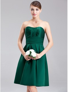 A-Line/Princess Sweetheart Knee-Length Satin Bridesmaid Dress With Ruffle