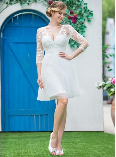 A-Line/Princess V-neck Knee-Length Tulle Lace Wedding Dress With Ruffle Bow(s)