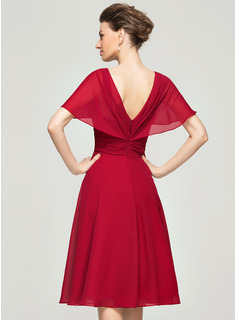 V-neck Knee-Length Chiffon Mother of the Bride Dress With Ruffle