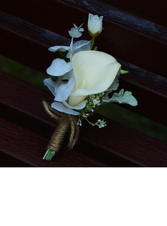 Plastic Boutonniere (Sold in a single piece) -