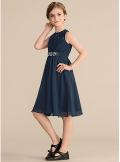tight fitted wedding guest dresses