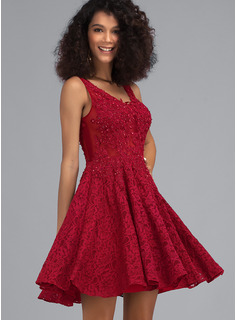 A-Line V-neck Short/Mini Lace Homecoming Dress With Beading