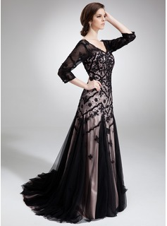 Trumpet/Mermaid V-neck Court Train Charmeuse Tulle Mother of the Bride Dress With Lace Beading