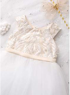 simple lace prom dress