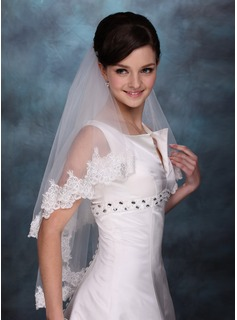Two-tier Fingertip Bridal Veils With Lace Applique Edge