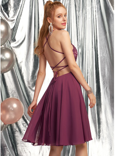 A-Line Scoop Neck Knee-Length Chiffon Homecoming Dress With Beading
