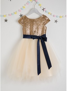 A-Line Knee-length Flower Girl Dress - Tulle/Sequined Short Sleeves Scoop Neck With Sash (Detachable sash)