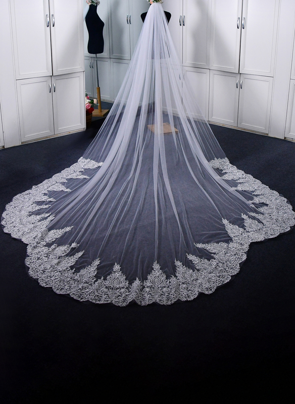 One-tier Lace Applique Edge Chapel Bridal Veils/Cathedral Bridal Veils With Lace
