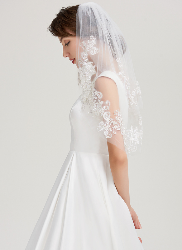 One-tier Lace Applique Edge Elbow Bridal Veils