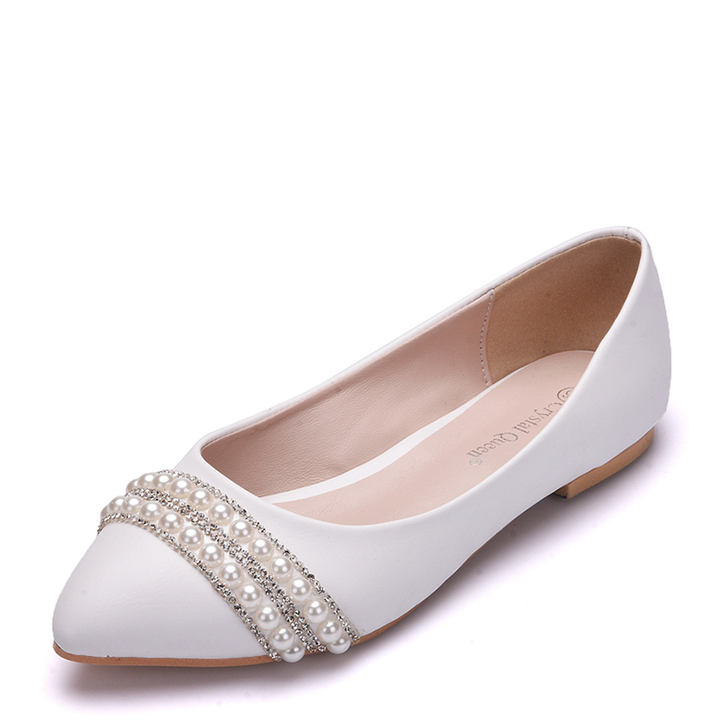 Women's Leatherette Flat Heel Closed Toe Flats With Imitation Pearl Chain