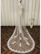 One-tier Lace Applique Edge Chapel Bridal Veils With Applique/Lace