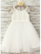 A-Line/Princess Knee-length Flower Girl Dress - Tulle/Lace Sleeveless Scoop Neck With Appliques (Undetachable sash)