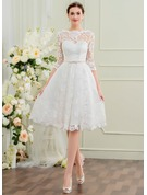 A-Line/Princess Scoop Neck Knee-Length Lace Wedding Dress With Bow(s)