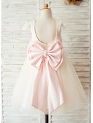 A-Line/Princess Knee-length Flower Girl Dress - Satin/Tulle/Lace Short Sleeves Scoop Neck With Bow(s)/Back Hole (Undetachable sash)