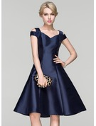 A-Linie/Princess-Linie Off-the-Schulter Knielang Satin Cocktailkleid