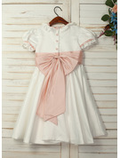 A-Line Knee-length Flower Girl Dress - Taffeta/Satin Short Sleeves Scoop Neck With Ruffles/Sash/Bow(s) (Undetachable sash)