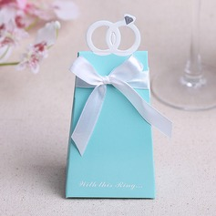 Ring Design Pyramid Favor Boxes With Ribbons