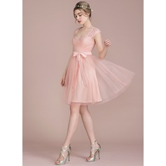 A-Line/Princess Knee-Length Tulle Lace Bridesmaid Dress With Bow(s)