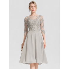 A-Line/Princess Scoop Neck Knee-Length Chiffon Cocktail Dress With Beading Appliques Lace (016154230)