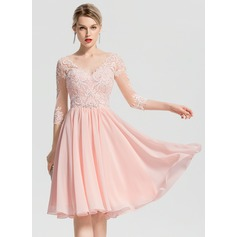 A-Line/Princess V-neck Knee-Length Chiffon Cocktail Dress With Beading (016155115)