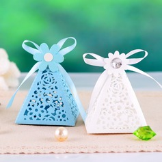 Pyramid Favor Boxes With Ribbons