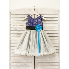 A-Line/Princess Tea-length Flower Girl Dress - Tulle/Sequined Scoop Neck With Flower(s)