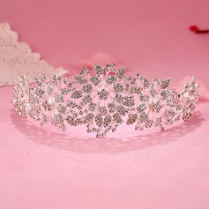Lovely Tiaras (Sold in single piece)