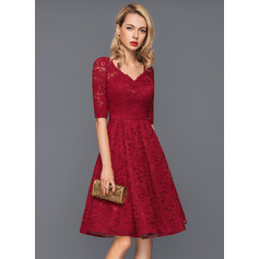 A-Linie/Princess-Linie V-Ausschnitt Knielang Lace Cocktailkleid (016140360)