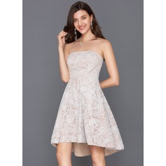 Forme Princesse Sans bretelle Asymétrique Dentelle Robe de cocktail