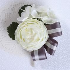 Round Silk Boutonniere (Sold in a single piece) -