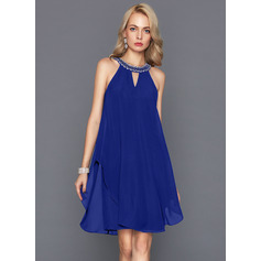 A-Line/Princess Scoop Neck Knee-Length Chiffon Cocktail Dress With Beading (016124578)