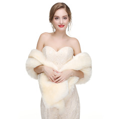 Faux Fur Wedding Shawl (013218346)