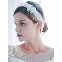 One-tier Cut Edge Shoulder Veils With Faux Pearl