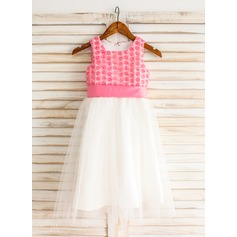 A-Line/Princess Knee-length Flower Girl Dress - Tulle Sleeveless Square Neckline With Sash/Flower(s)