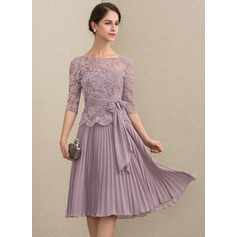 A-Line Scoop Neck Knee-Length Chiffon Lace Cocktail Dress With Bow(s) Pleated