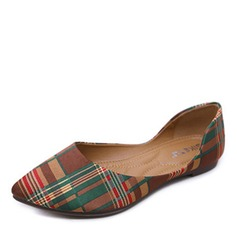 Women's Fabric Flat Heel Flats Closed Toe shoes (086173048)