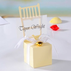 Chair Design Cuboid Favor Boxes With Heart Charm