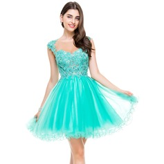 A-Line Sweetheart Short/Mini Tulle Homecoming Dress With Beading Appliques Lace Sequins
