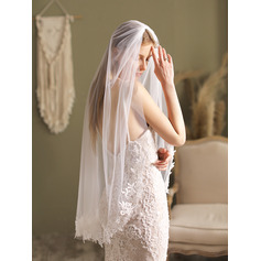 One-tier Lace Applique Edge Fingertip Bridal Veils With Satin Flower