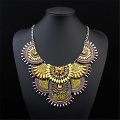 Unique Alloy Resin Acrylic Ladies' Fashion Necklace